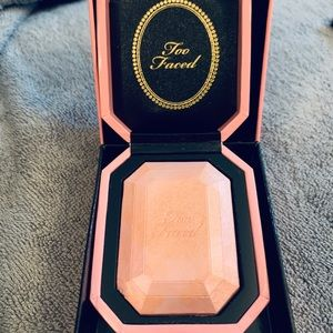 BRAND NEW TOO FACED HIGHLIGHTER